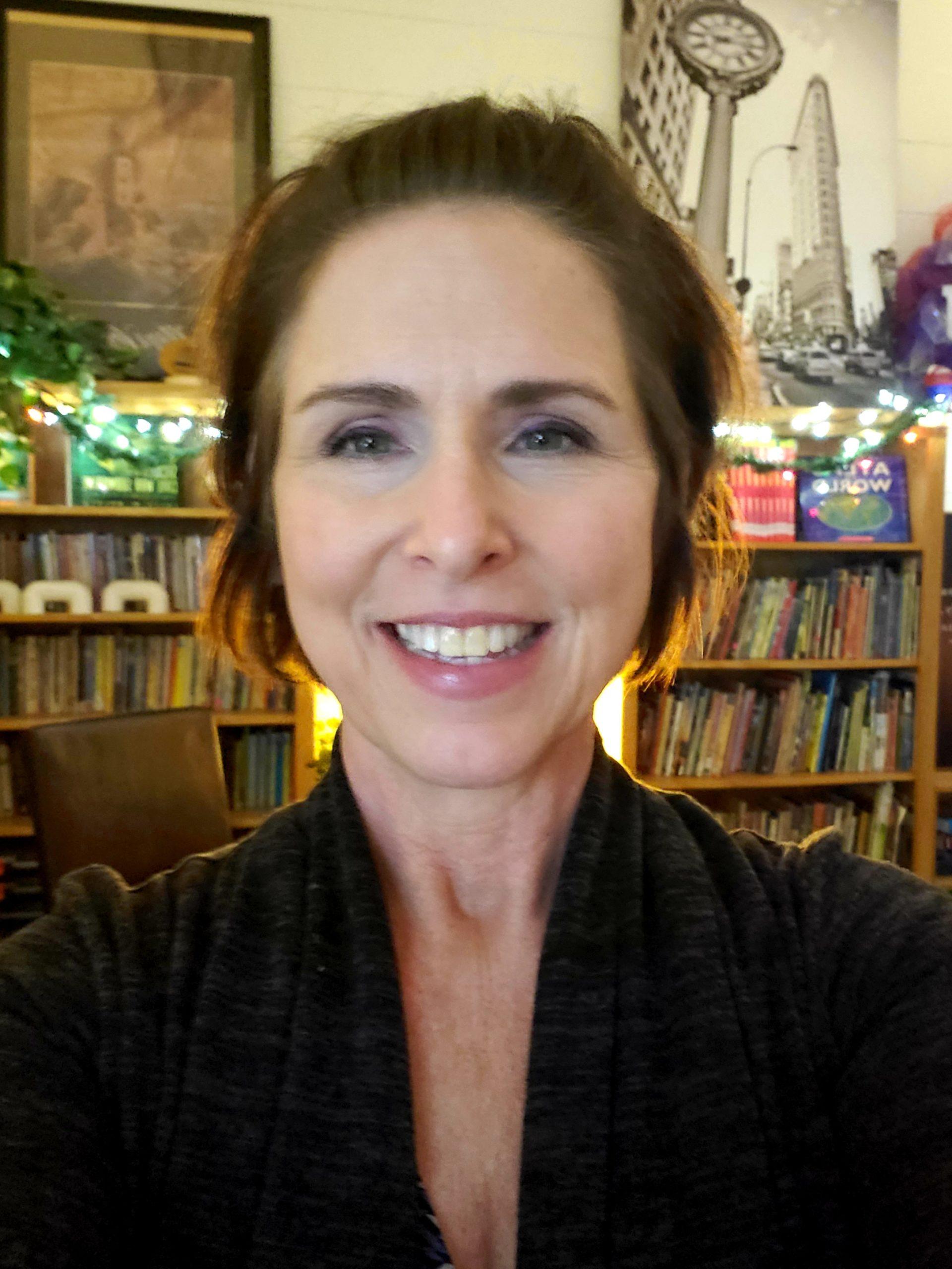 Donna Whitfield Headshot